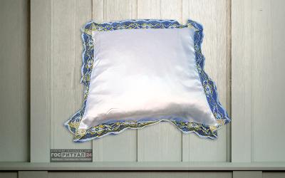 Подушка «Атлас с золотым кружевом»